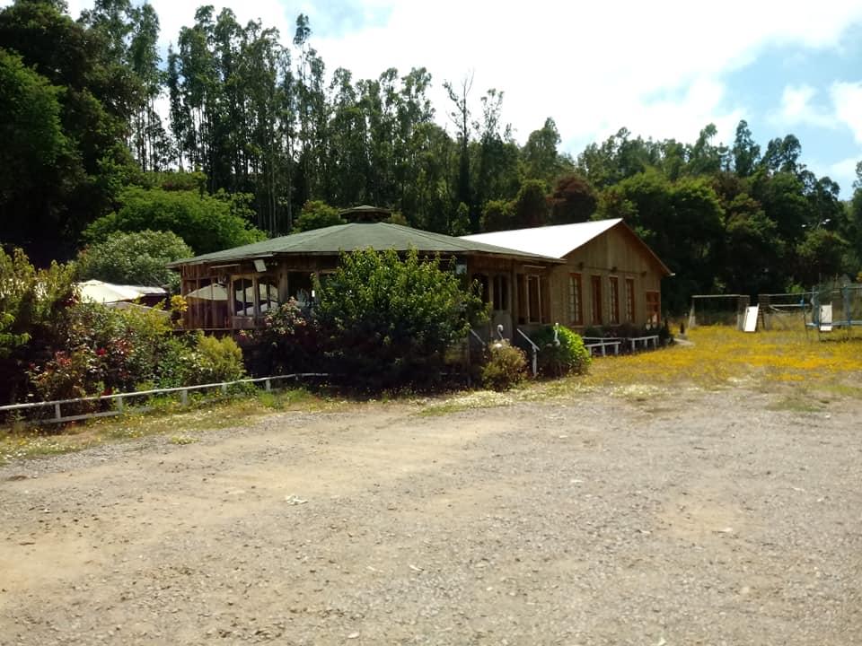 Hosteria y Cabañas Pueblo Hundido